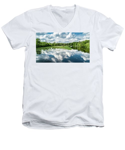 Fox River Men's V-Neck T-Shirt