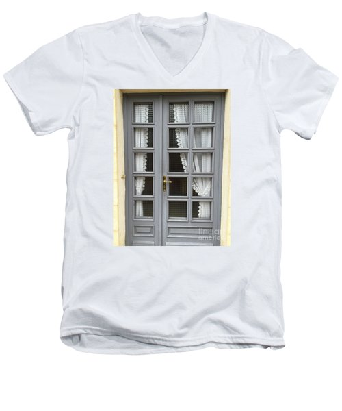 French Welcome Men's V-Neck T-Shirt