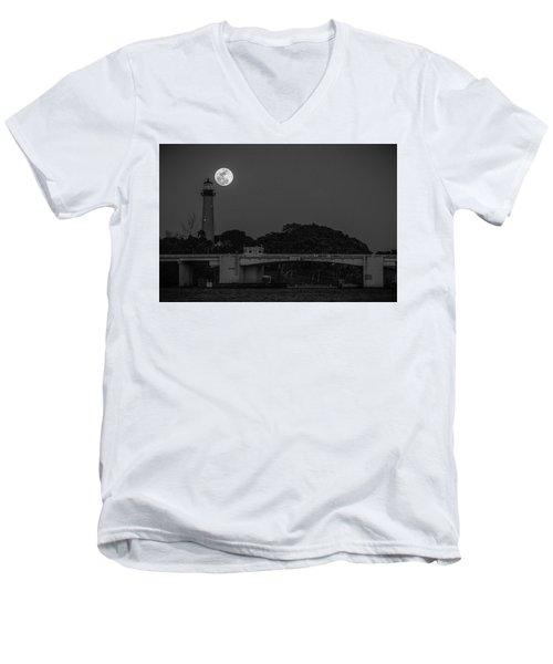 Full Moon And The Jupiter Lighthouse Men's V-Neck T-Shirt