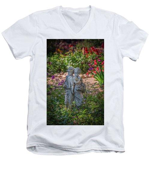 Garden Lovers Men's V-Neck T-Shirt