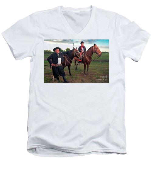 Gauchos Men's V-Neck T-Shirt