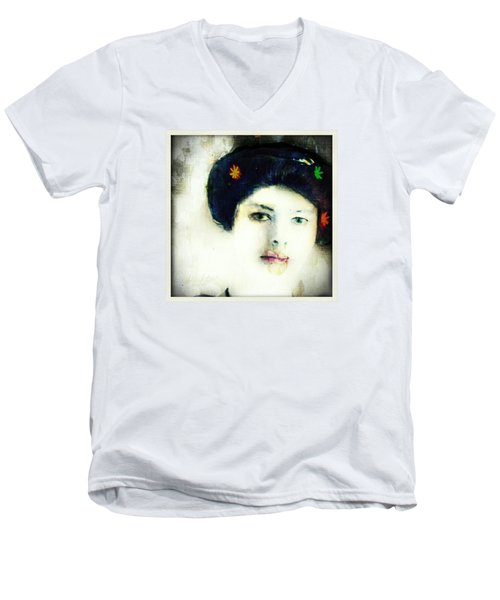 Geisha Men's V-Neck T-Shirt