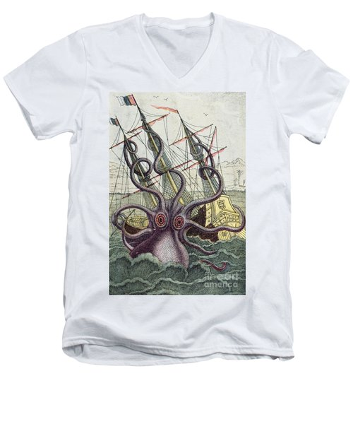 Giant Octopus Men's V-Neck T-Shirt