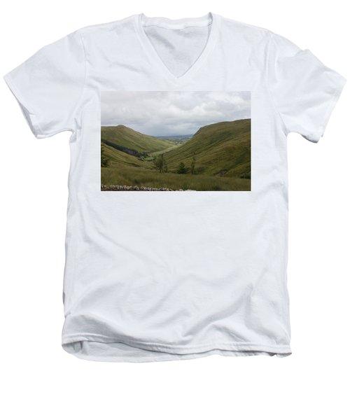 Glengesh Pass Men's V-Neck T-Shirt