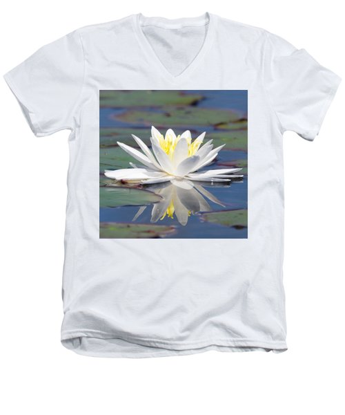 Glorious White Water Lily Men's V-Neck T-Shirt