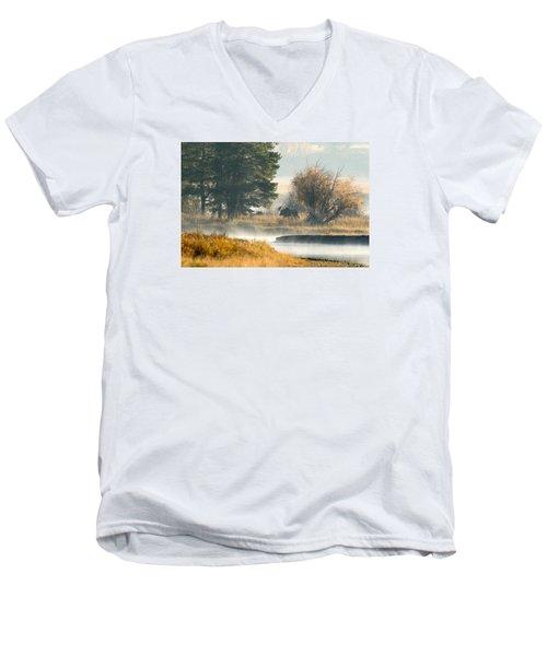 Going Bye Bye Men's V-Neck T-Shirt