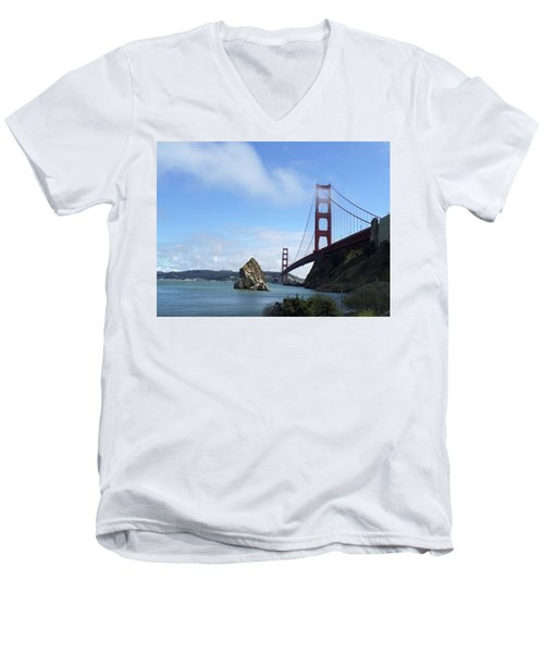 Golden Gate Bridge Men's V-Neck T-Shirt