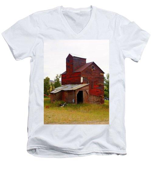 Grain Elevator Men's V-Neck T-Shirt