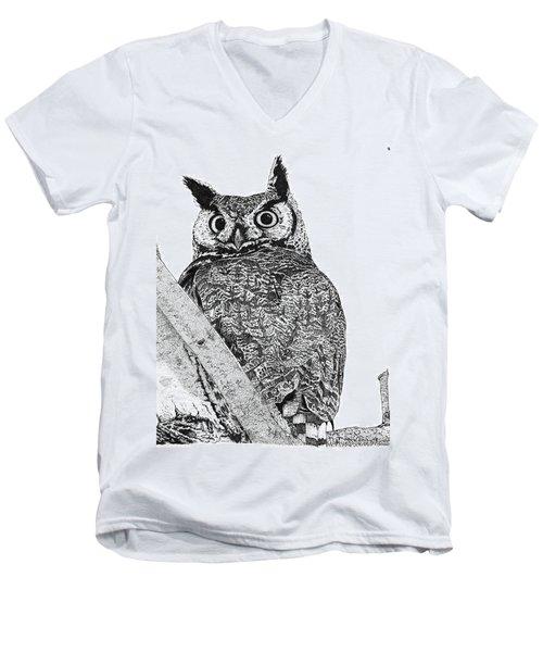 Great Horned Owl In A Tamarisk Men's V-Neck T-Shirt