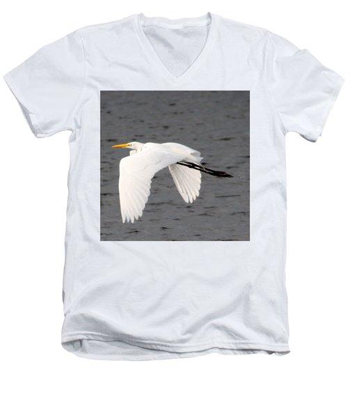 Great White Egret In Flight Men's V-Neck T-Shirt