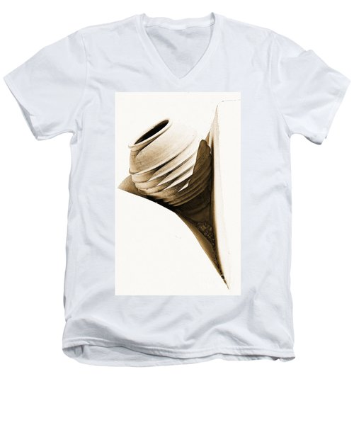 Greek Urn Men's V-Neck T-Shirt
