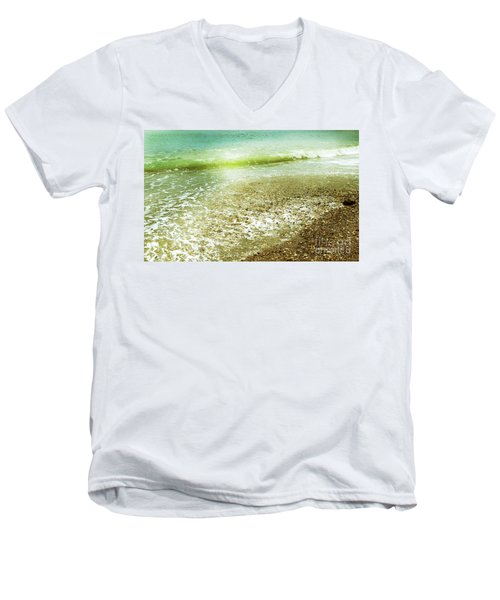 Green And Yellow Waves At Montana De Oro Beach In Spooners Cove Men's V-Neck T-Shirt