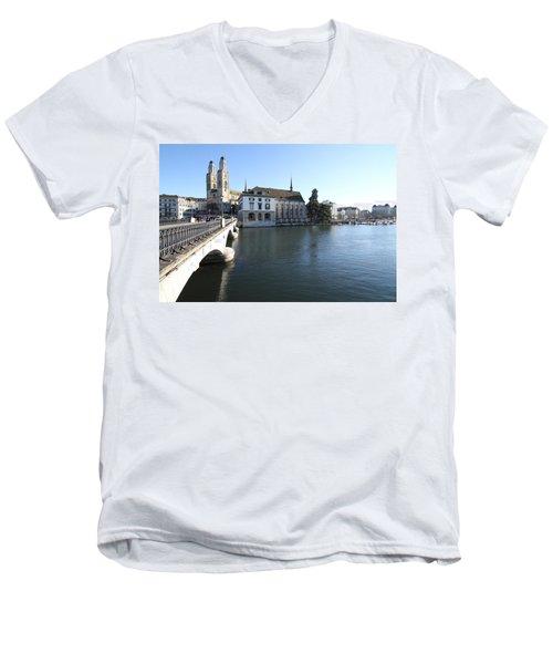 Grossmunster, Wasserkirche And Munsterbrucke - Zurich Men's V-Neck T-Shirt