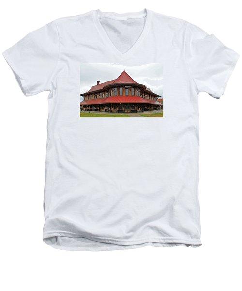 Hamlet Train Station Men's V-Neck T-Shirt