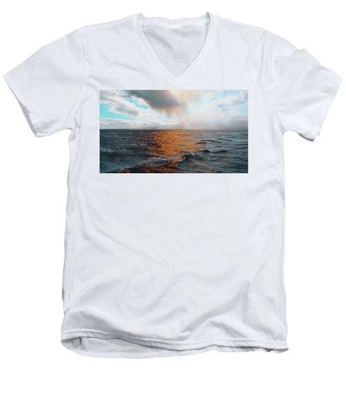 Hawaii Men's V-Neck T-Shirt
