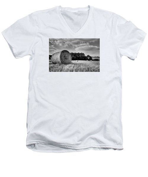 Hay Race Track Men's V-Neck T-Shirt