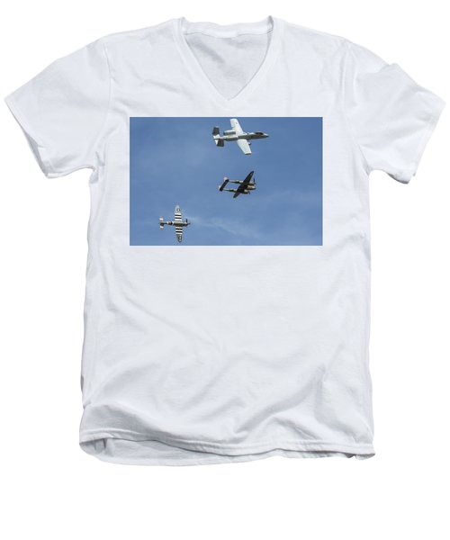 Heritage Flight Break Men's V-Neck T-Shirt
