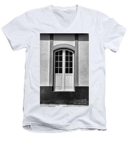High Door Men's V-Neck T-Shirt