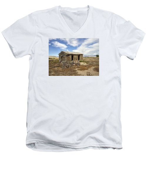 Historic Cabin And Buckboard Wheels In Big Horn County In Wyoming Men's V-Neck T-Shirt