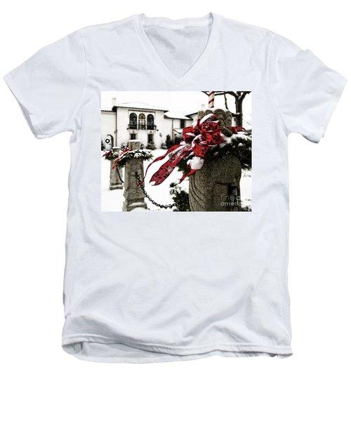 Holiday Home Men's V-Neck T-Shirt