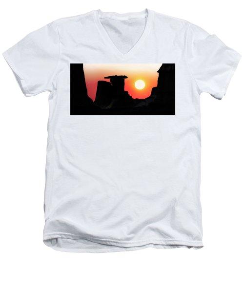 Hoodoo Sunrise Men's V-Neck T-Shirt