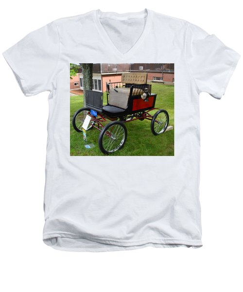 Horseless Carriage-c Men's V-Neck T-Shirt