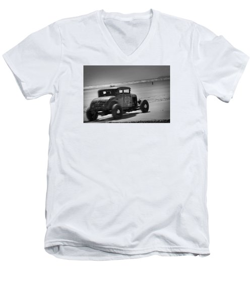 Hot Rods At Pendine 12 Men's V-Neck T-Shirt