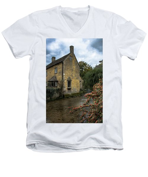 House On The Water Men's V-Neck T-Shirt