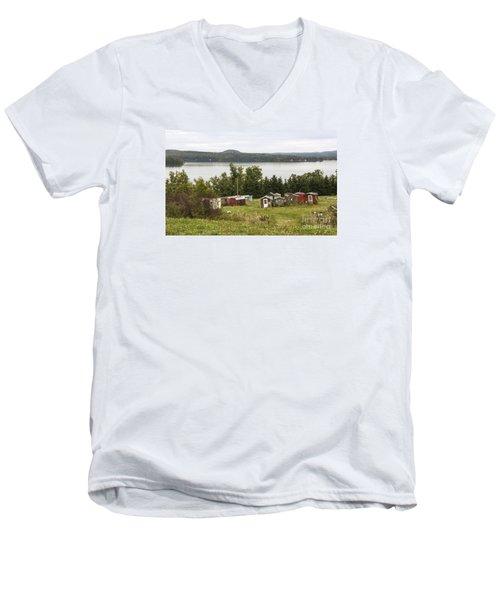 Ice Houses In Vermont Men's V-Neck T-Shirt