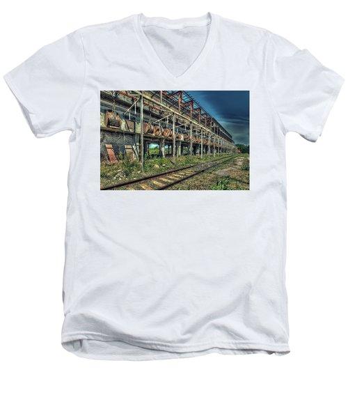 Industrial Archeology Railway Silos - Archeologia Industriale Silos Ferrovia Men's V-Neck T-Shirt