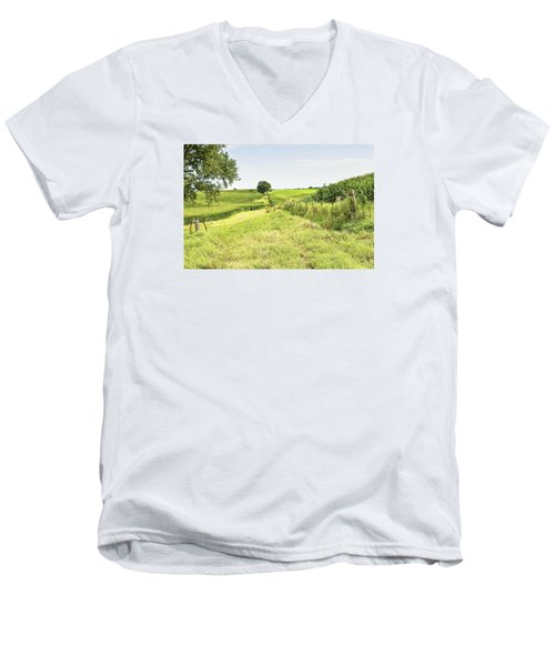 Iowa Corn Field Men's V-Neck T-Shirt