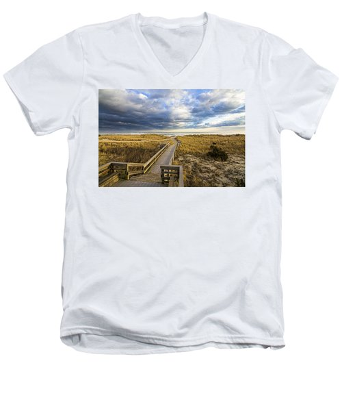 Jetty Four Walkway Men's V-Neck T-Shirt