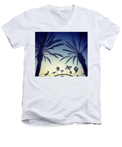 Kalifornia Men's V-Neck T-Shirt