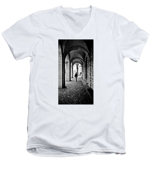 Kamera: #canon #ixus X-1 (aps) Film: Men's V-Neck T-Shirt by Mandy Tabatt