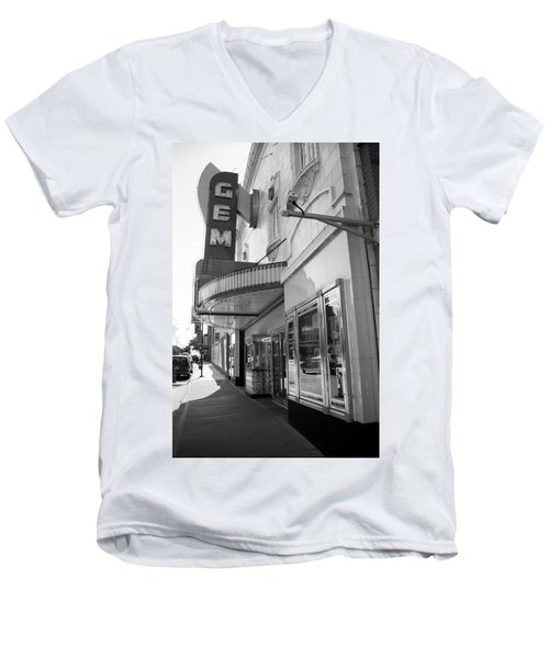 Men's V-Neck T-Shirt featuring the photograph Kansas City - Gem Theater 2 Bw  by Frank Romeo