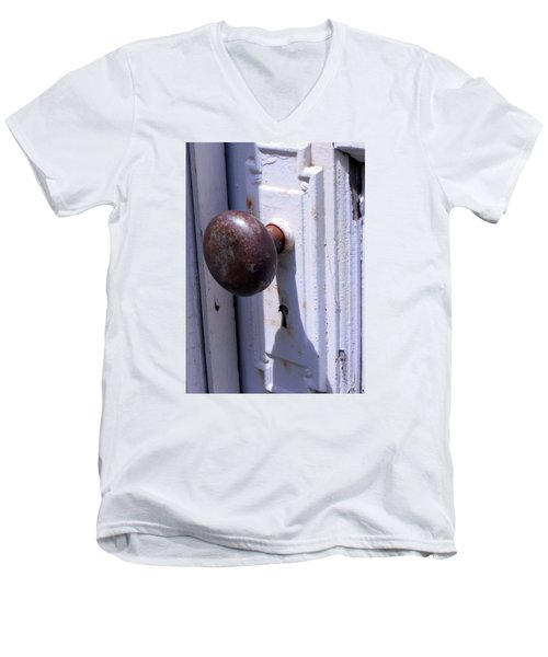 Men's V-Neck T-Shirt featuring the photograph Keyhole by Steve Godleski