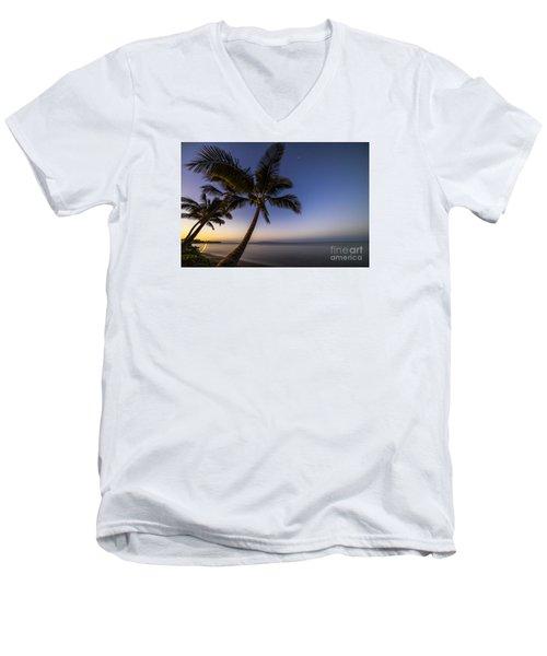 Kihei Maui Hawaii Palm Tree Sunrise Men's V-Neck T-Shirt