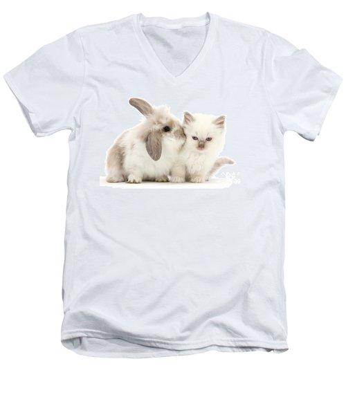 Kiss Her Fluffy Cheek Men's V-Neck T-Shirt