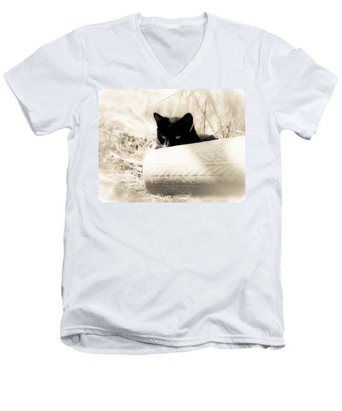 Kitty Stalks In Sepia Men's V-Neck T-Shirt