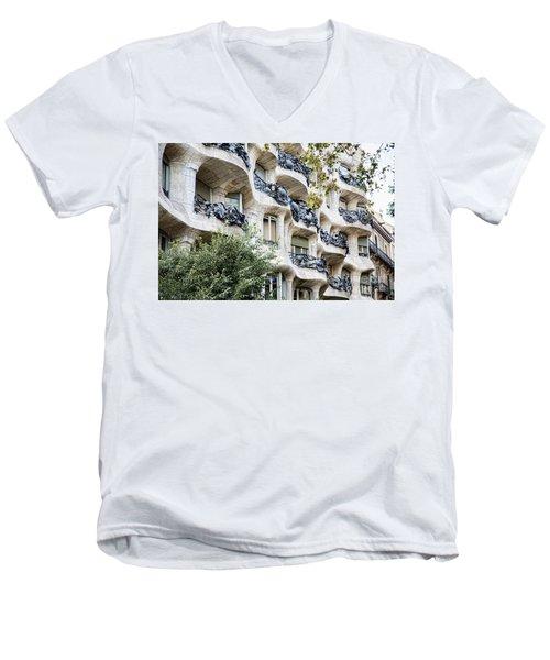 La Pedrera Casa Mila Gaudi  Men's V-Neck T-Shirt