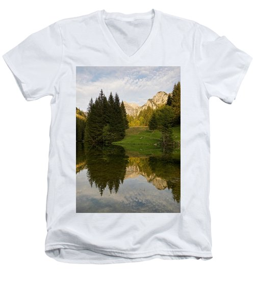 Lac De Fontaine Men's V-Neck T-Shirt