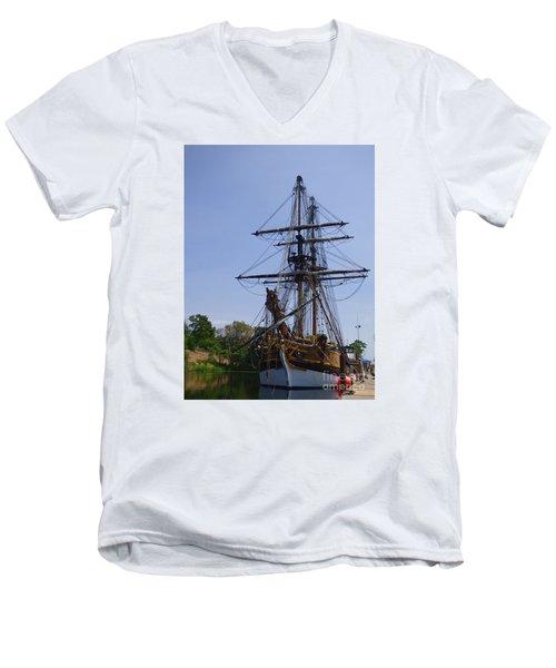 Lady Washington Men's V-Neck T-Shirt