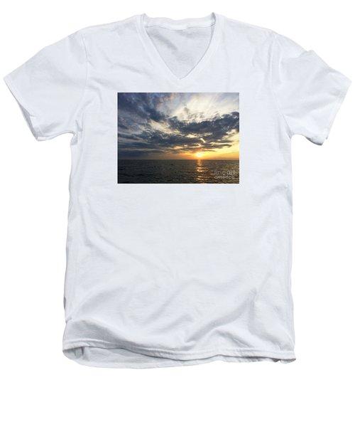 Lake Erie Sunset Men's V-Neck T-Shirt