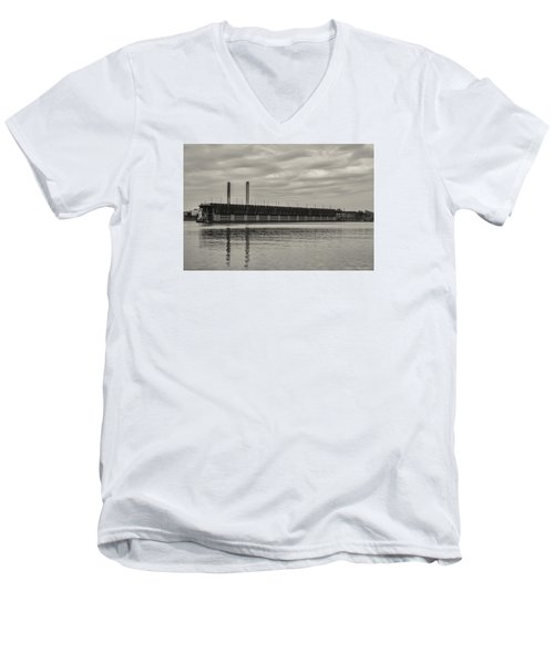 Lake Superior Oar Dock Men's V-Neck T-Shirt