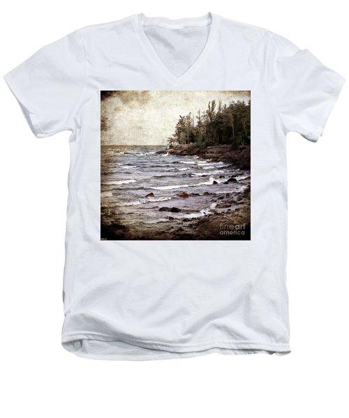 Lake Superior Waves Men's V-Neck T-Shirt