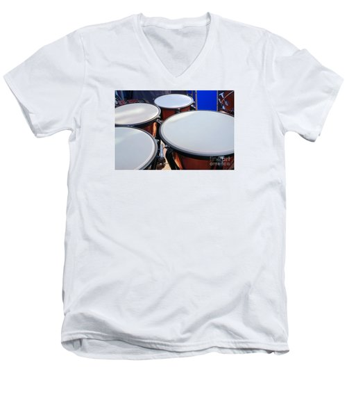 Large Copper Kettledrums Men's V-Neck T-Shirt