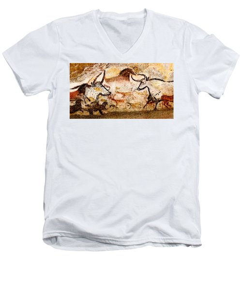 Lascaux Hall Of The Bulls - Deer And Aurochs Men's V-Neck T-Shirt