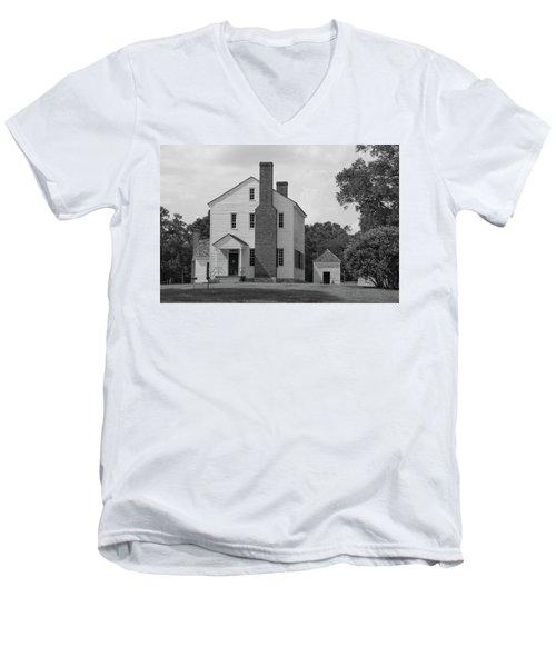Latta Plantation House Men's V-Neck T-Shirt