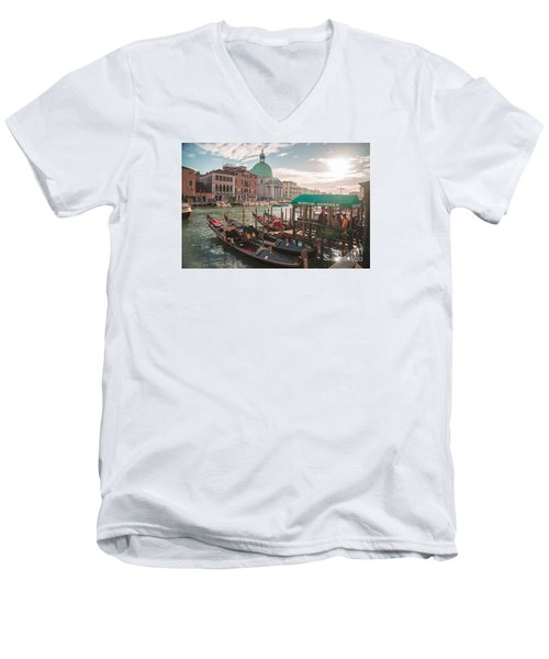 Life Of Venice - Italy Men's V-Neck T-Shirt