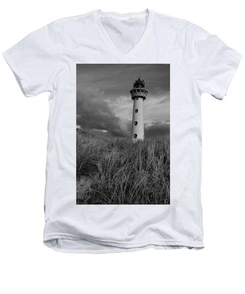 Lighthouse Bw Men's V-Neck T-Shirt